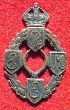 <p>REGNO UNITO. Royal Electrical and Mechanical Engineers<br />Campagna d'Italia<br /> 1943-1945.</p>
