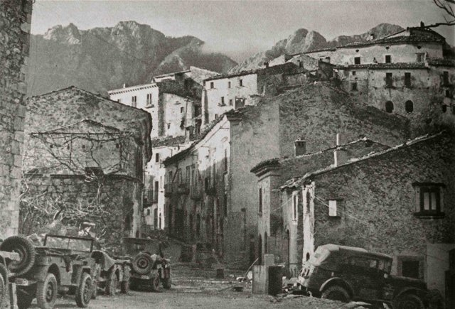 Risultati immagini per CASTELNUOVO AL VOLTURNO bombardamento